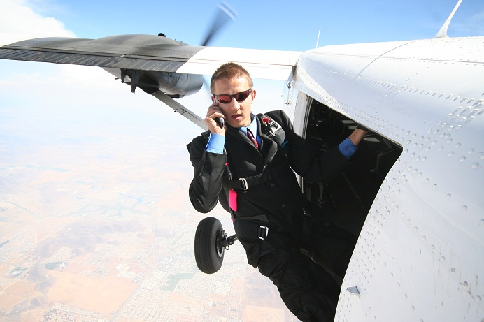 Dmitri Chavkerov skydiving